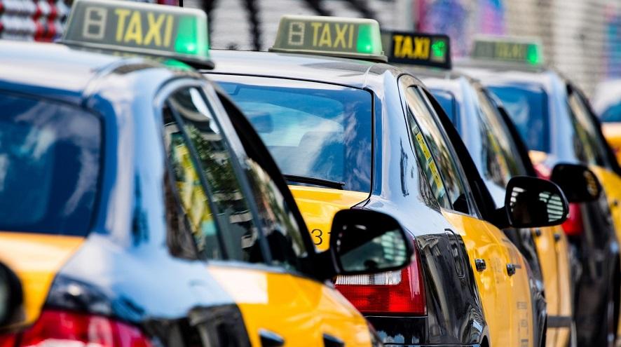 El taxi se queda fuera de las ayudas al transporte: «Marginados y en la indigencia»