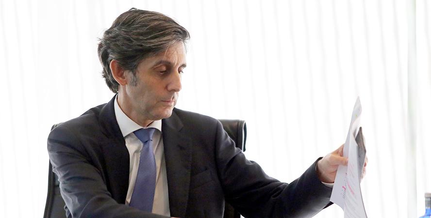 Telefónica rompe el tabú sobre la venta de su fibra en España
