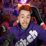 The Grefg, con sudadera y neón de Twitch, en un vídeo subido a YouTube.