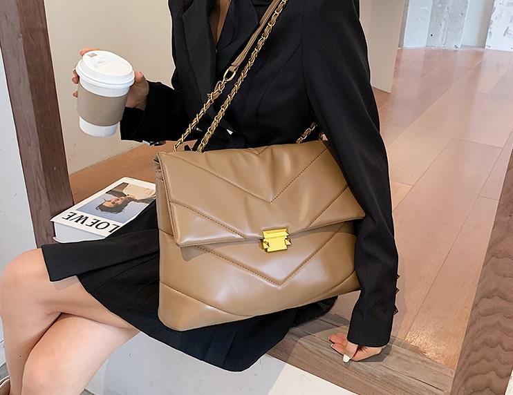 bolso amplio marrón