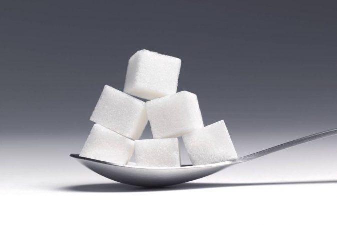 riesgos consumir mucho azucar