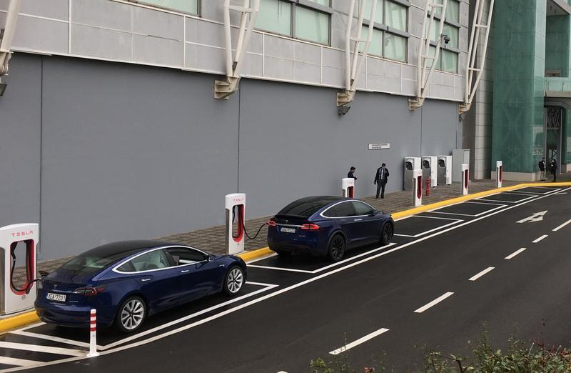 Tesla alcanza los 6.000 supercargadores en Europa