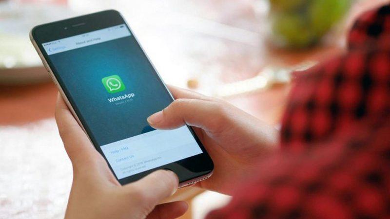 ¿Cómo leer los SMS o escuchar un audio en WhatsApp sin que la otra persona sepa?