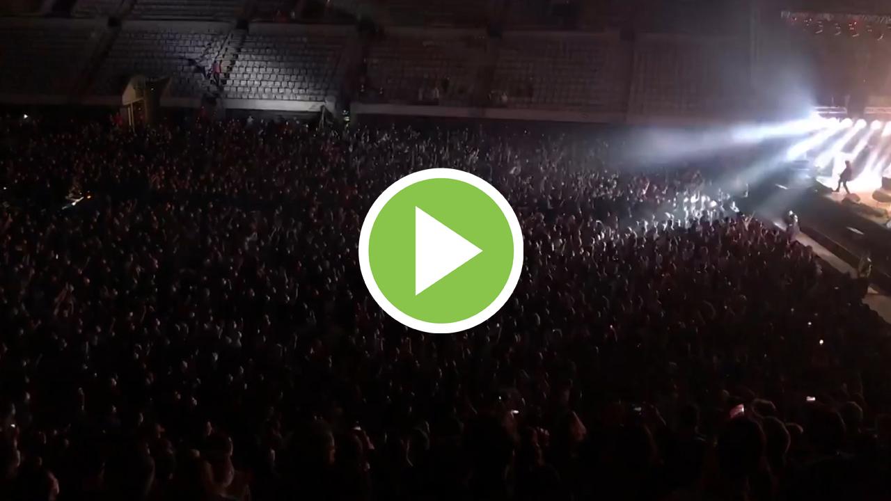 Love of Lesbian protagoniza el primer concierto masivo en Catalunya