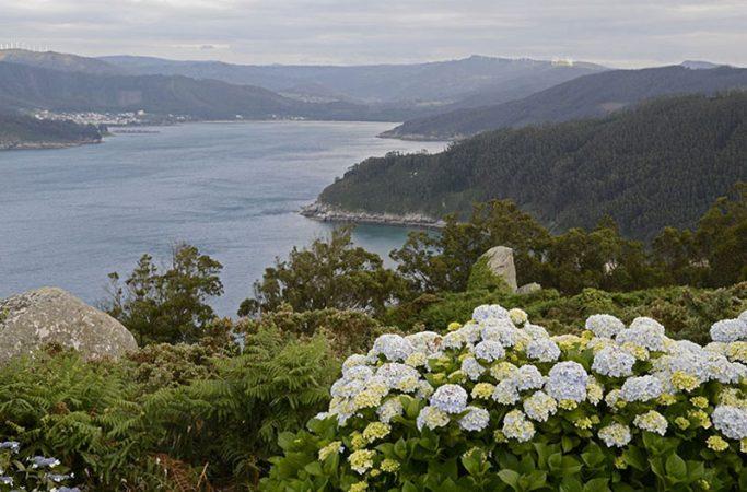 Las Rías Tranquilas Ortigueira Y O Barqueiro (A Coruña / Lugo)