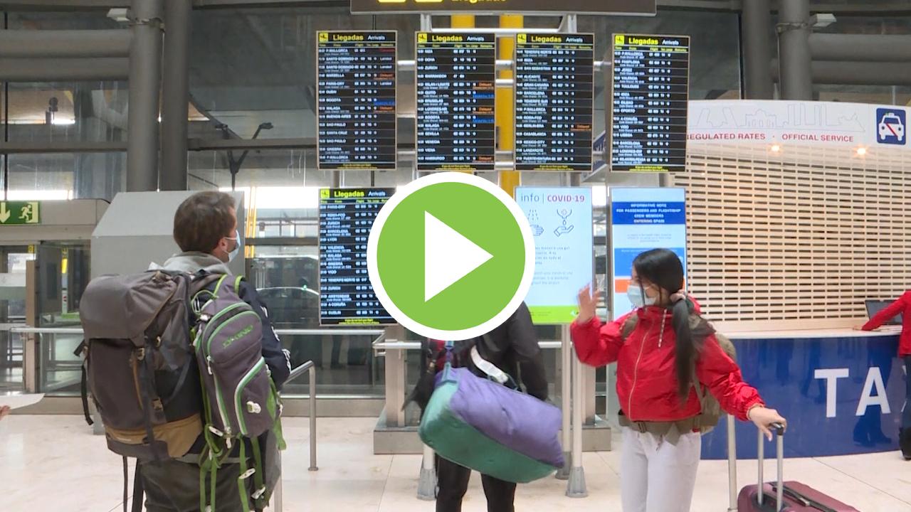 Los españoles realizaron un 47,6% menos de viajes en 2020 por el Covid
