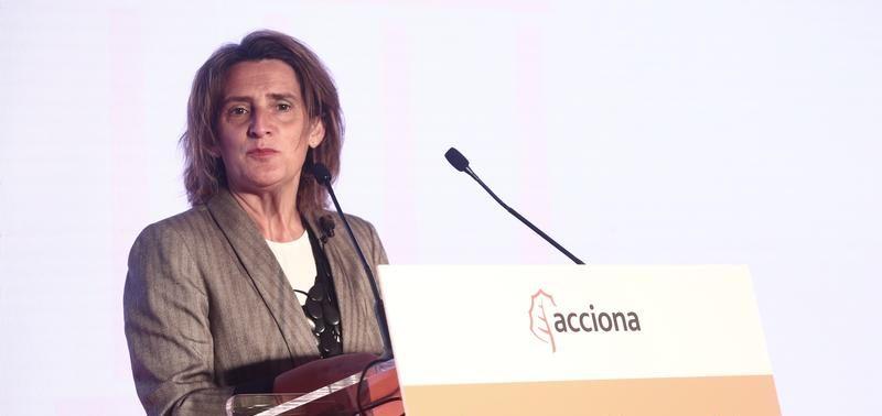 """Ribera tacha de """"peligrosas"""" las alusiones de """"burbuja"""" en las renovables"""