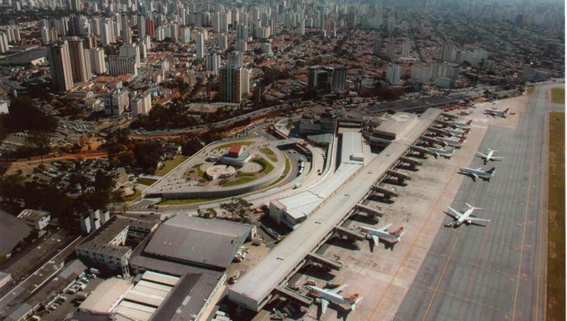 Vinci y el grupo CCR se adjudican 22 aeropuertos en Brasil por más de 500 M€
