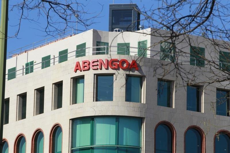 La Guardia Civil registra la sede de Abengoa por delitos societarios y contra el mercado