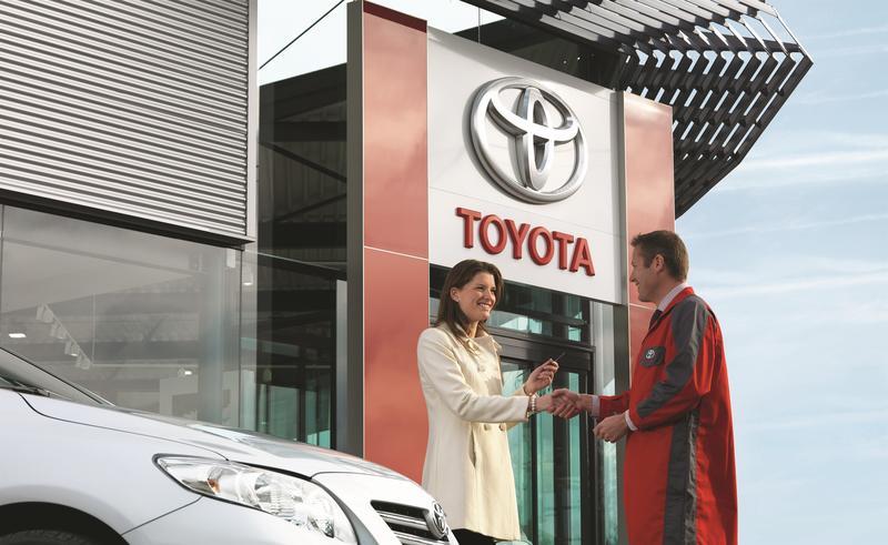 Las ventas mundiales de Toyota crecen un 17% en el primer trimestre