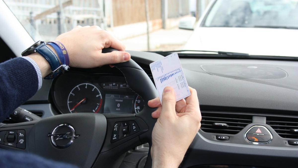 Las multas más habituales de la DGT en 2020 que debes evitar este año