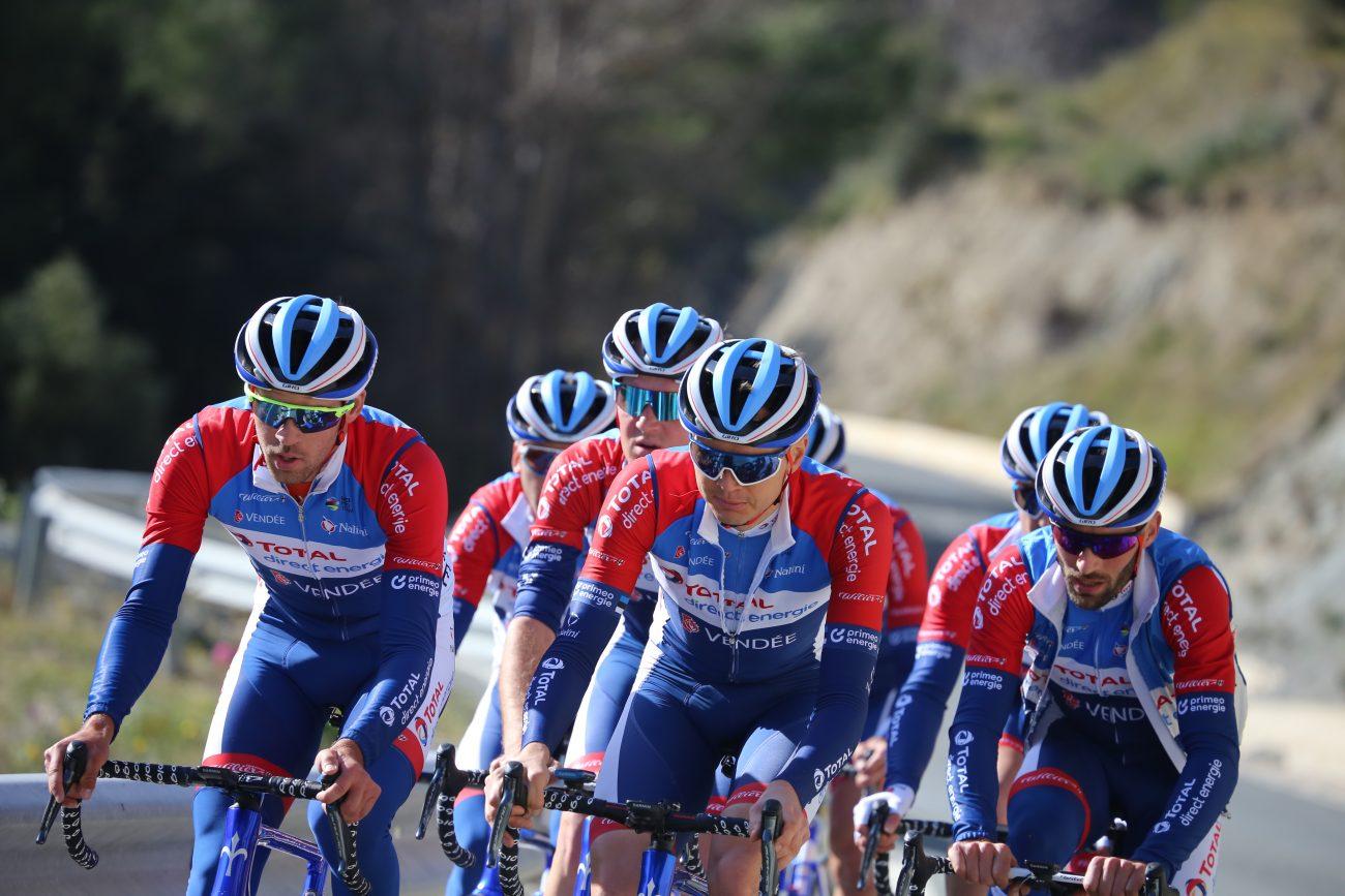 La petrolera Total agita el ciclismo: gana 2.279 M€ y asusta al Ineos