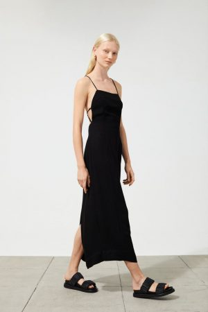 Vestido de espalda descubierta por H&M