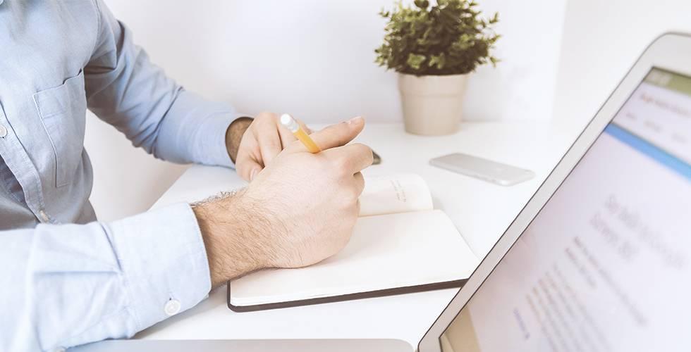 Ayudas y prestaciones que sí debes incluir en tu declaración de la Renta si eres autónomo