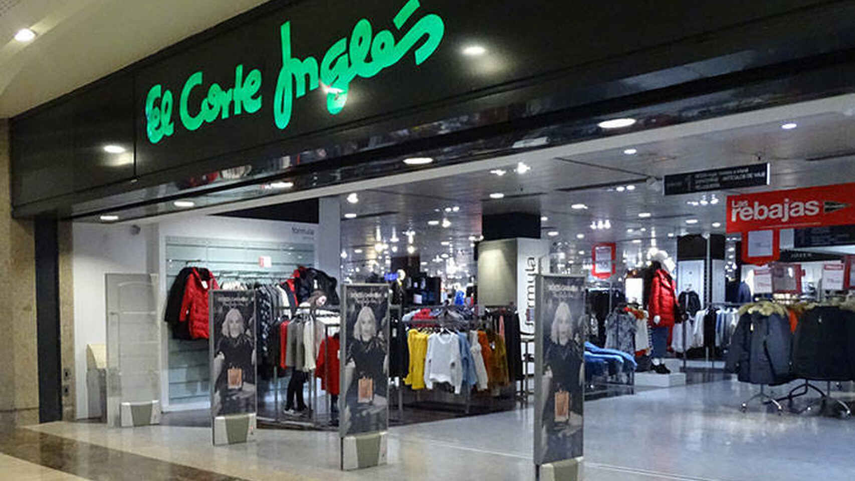 El Corte Inglés: vestidos, blusas y otras prendas de Pepe Jeans al 50%
