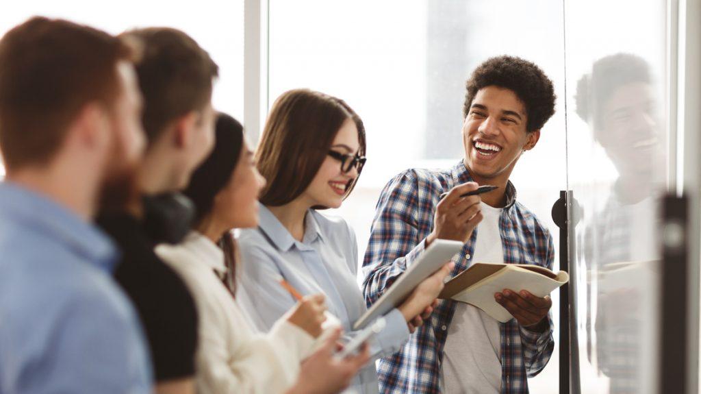 Ahora los jóvenes quieren ser emprendedores antes que empleados