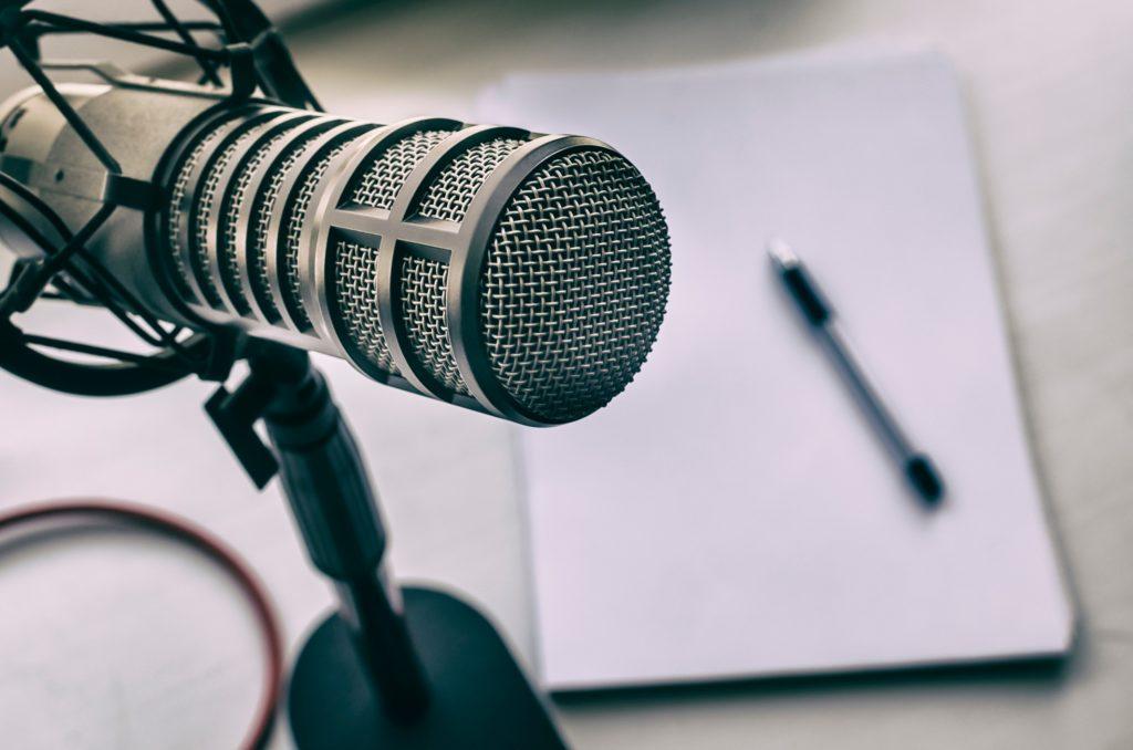 Guía para emprender en el sector del podcast y conseguir el éxito