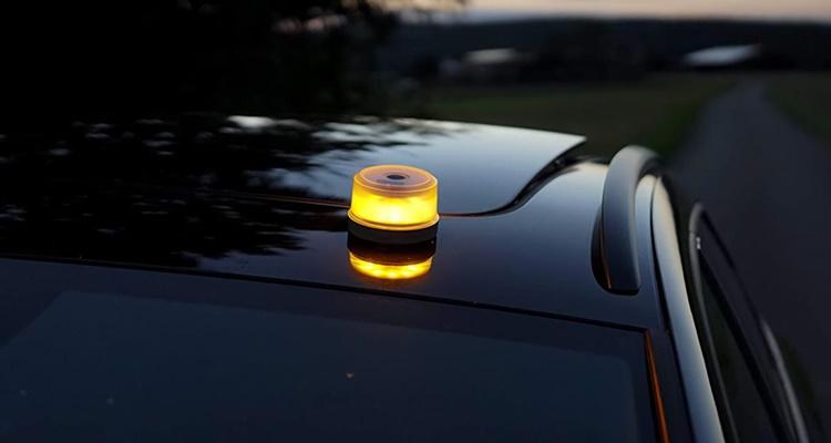 V16, luces obligatorias DGT