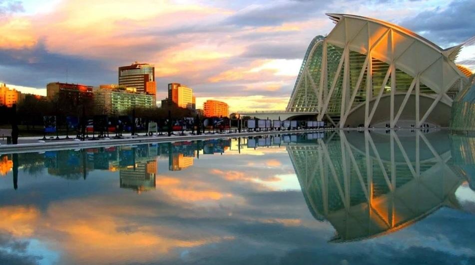La Comunitat Valenciana prioriza al turista nacional y adjudica 20 M€ a Zenith BR