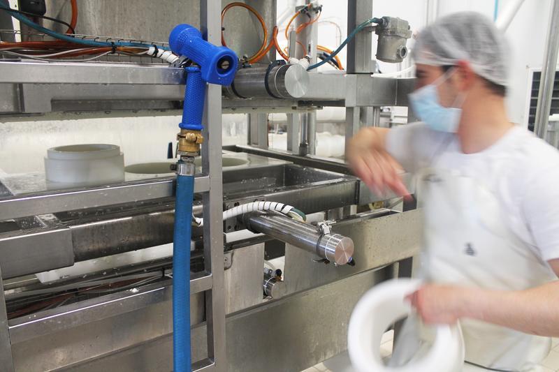 La actividad del sector manufacturero español logra en abril su nivel más alto desde 1999