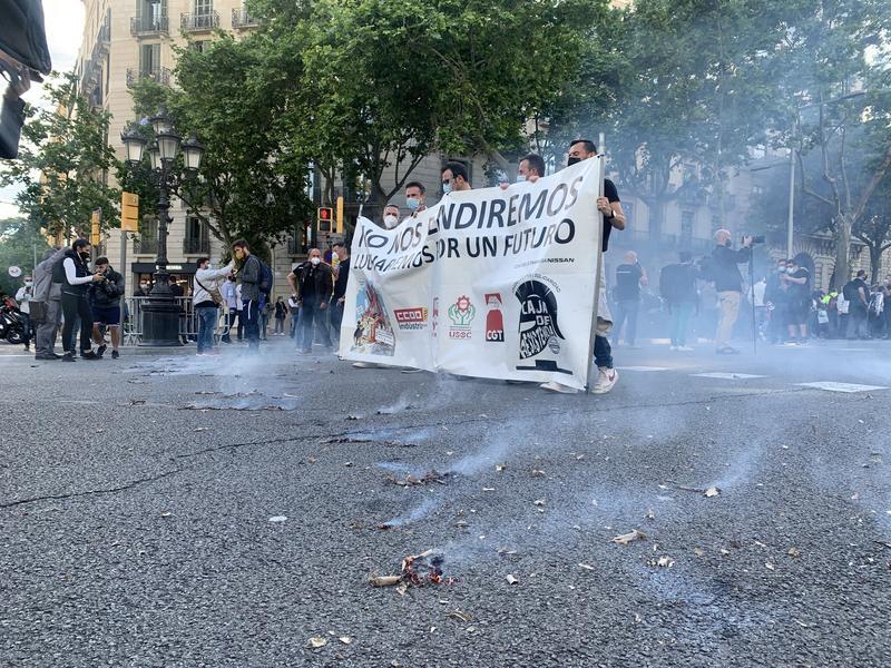 Unos 700 trabajadores de Nissan protestan en Barcelona por la reindustrialización