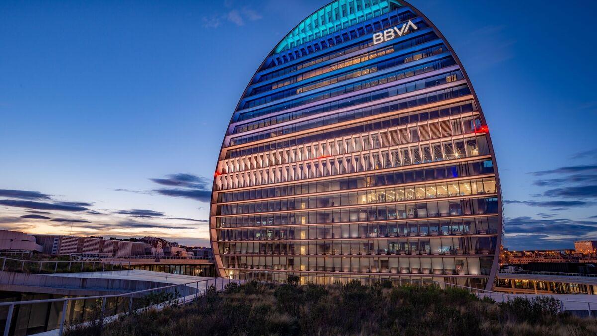 Carlos Torres pide compromiso a la plantilla de BBVA para «avanzar»