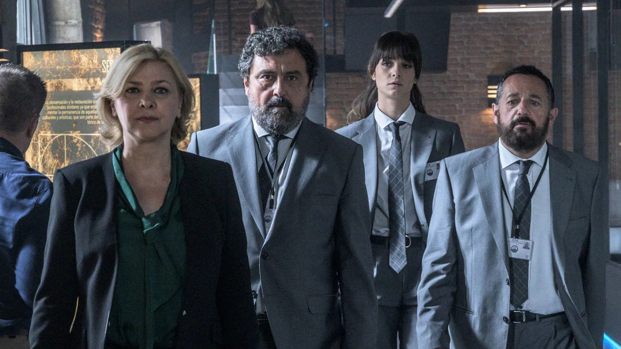 Los Hombres de Paco: la decisión que evitó que se cancelara en la Temporada 1