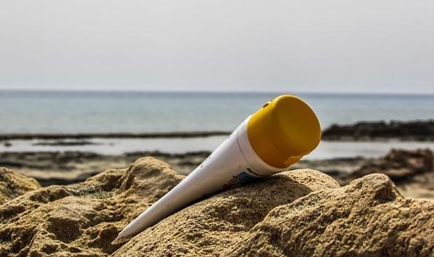 Cremas de sol: estas son las mejores del supermercado según la OCU