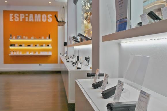 Las redadas contra las tiendas espía ponen de actualidad la tecnología empleada por las bandas criminales