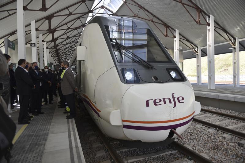 Renfe incrementa un 5,6% su oferta para este fin de semana ante el aumento de la demanda