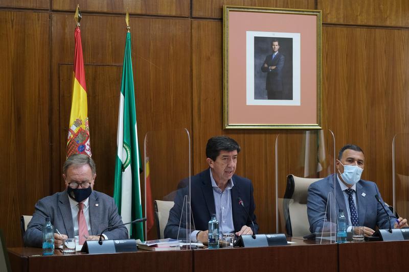 """Andalucía espera unos 20 millones de turistas en 2021, """"datos esperanzadores"""""""