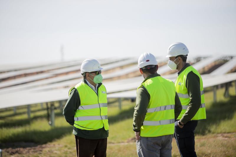 Iberdrola pone en marcha la fotovoltaica de Ceclavín con una inversión de 250 M€
