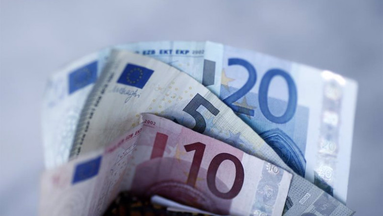 El PSOE plantea estudiar un euro público digital