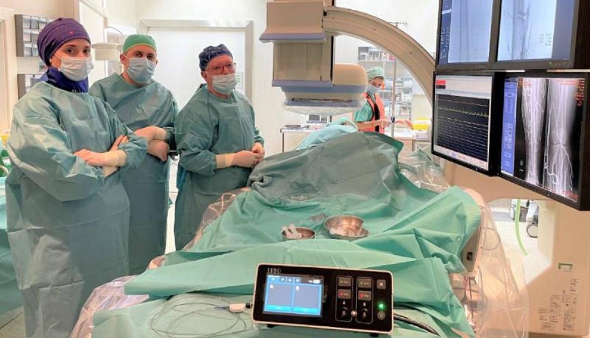 El Hospital Ruber Internacional trata con éxito una trombosis venosa crónica de miembro inferior mediante el procedimiento EKOS