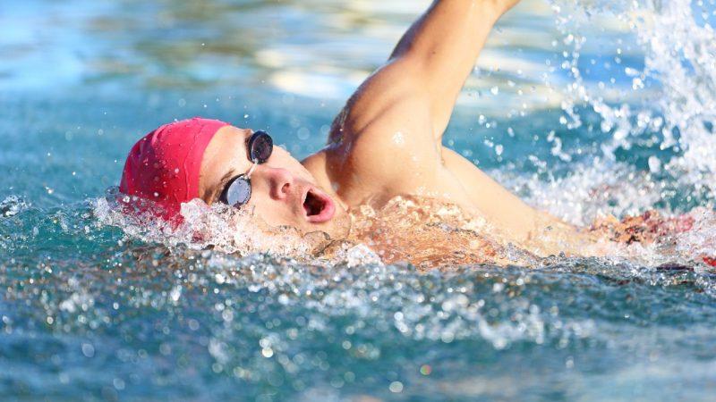 como nadar adelgaza