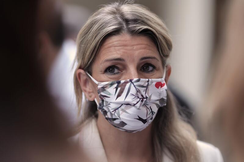Yolanda Díaz trata de contener las críticas internas por empeñarse en no cesar a Garzón