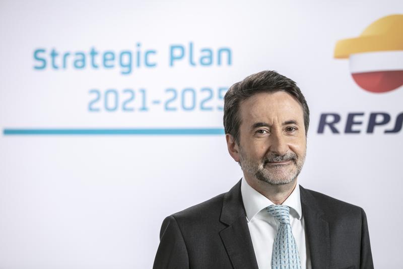 Repsol, ajena al tsunami energético, impulsa su beneficio a 1.235 M€
