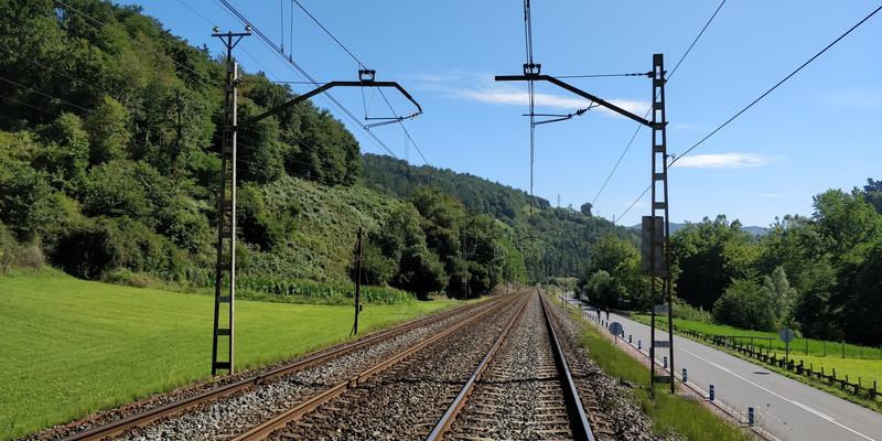 Adif adjudica a Ferrovial, Acciona, FCC y Sacyr el mantenimiento de la red convencional por 94 millones