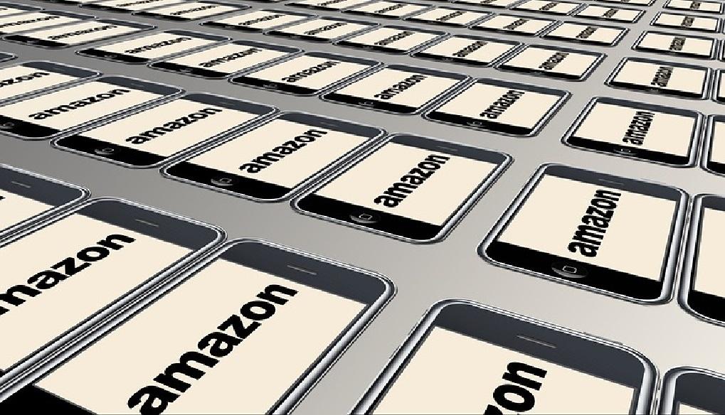 Las razones por las que deberías invertir en Amazon en 2021