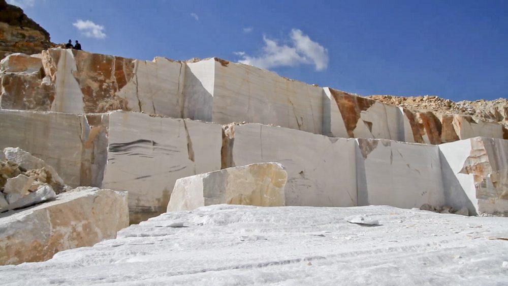 Cosentino sigue a la cabeza: picar mármol nunca fue tan rentable