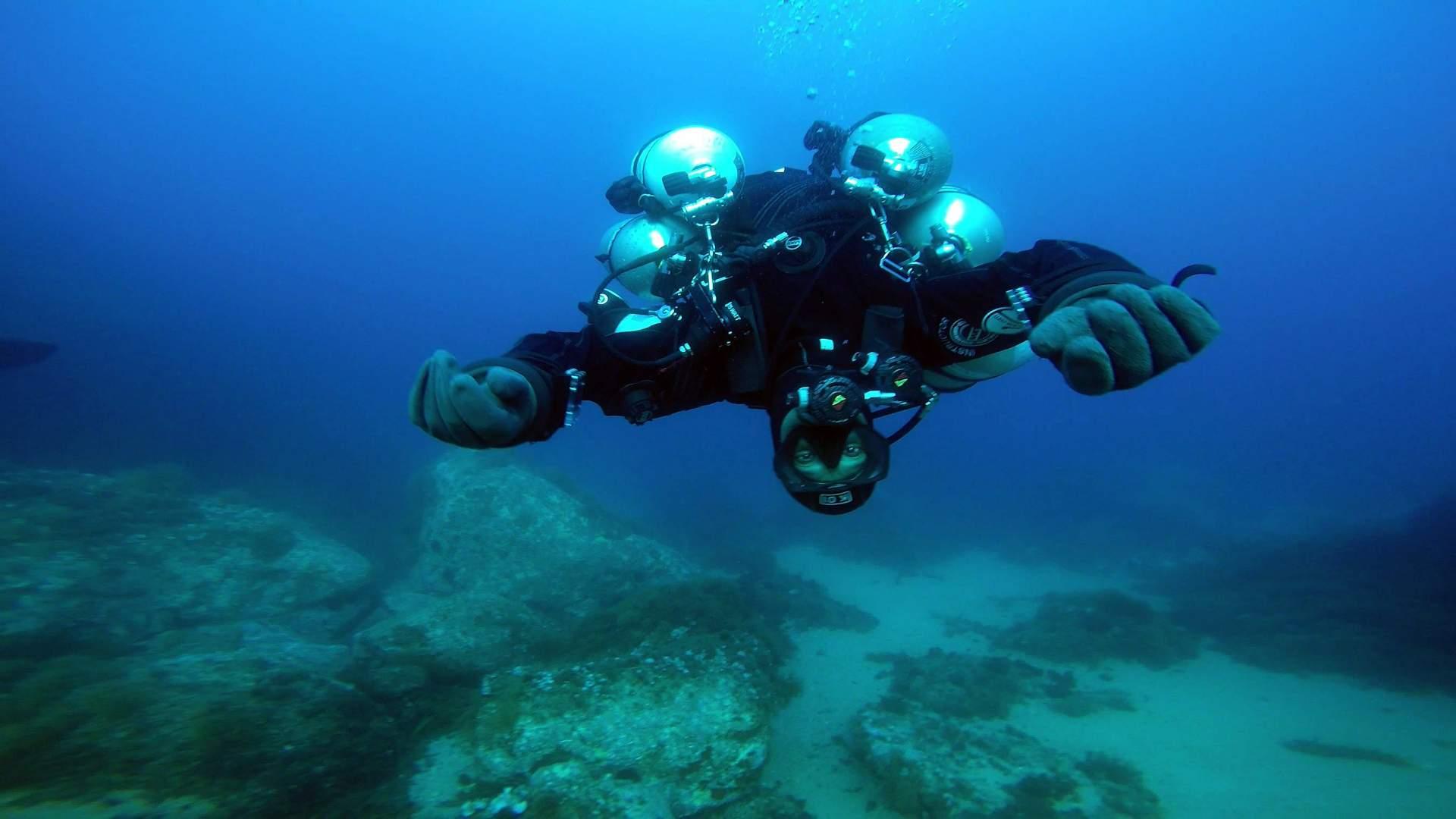 Dark Sidemount ofrece la experiencia de practicar buceo en cuevas