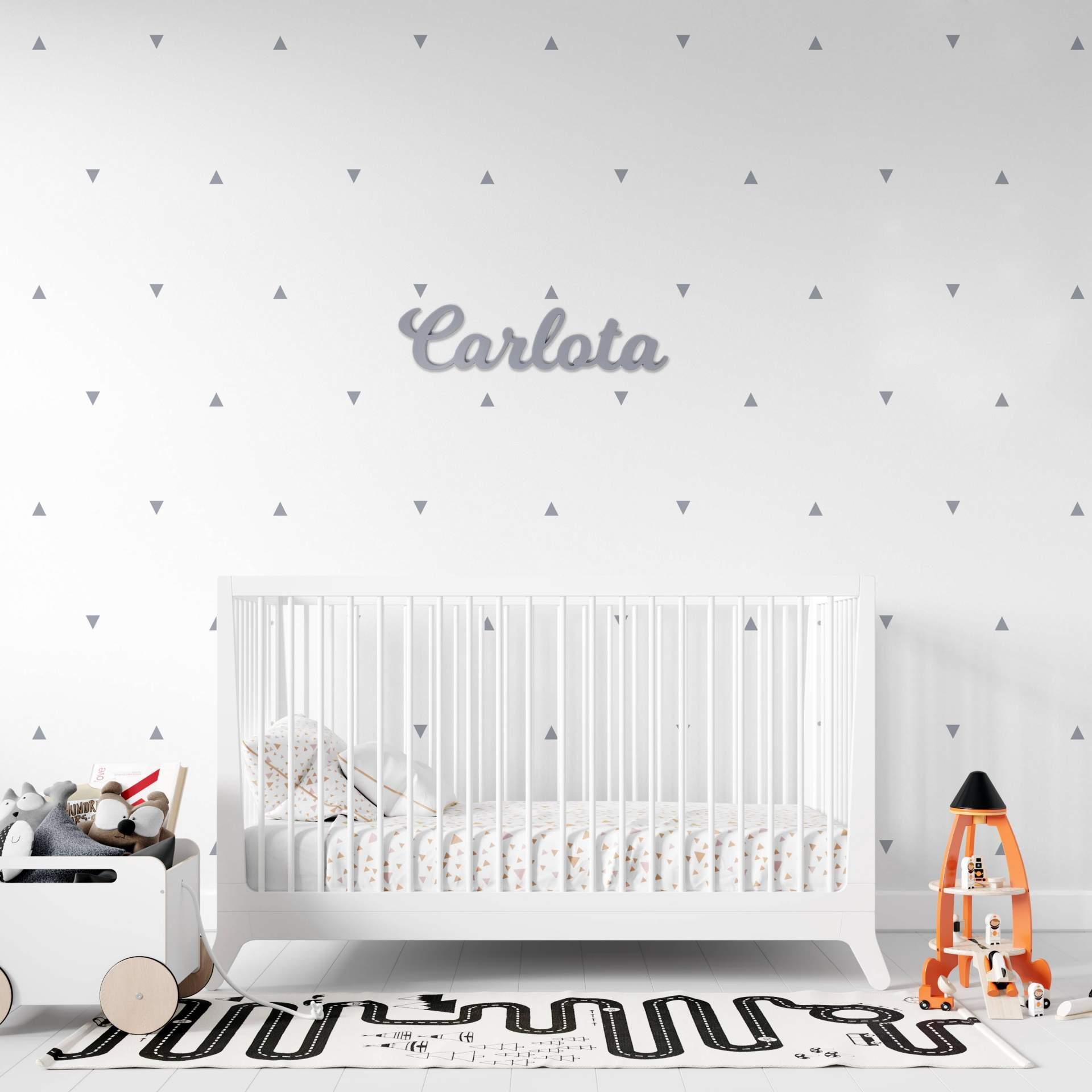 Los nombres de madera personalizados de Nicolasito, el complemento ideal para decorar la habitación de los más pequeños