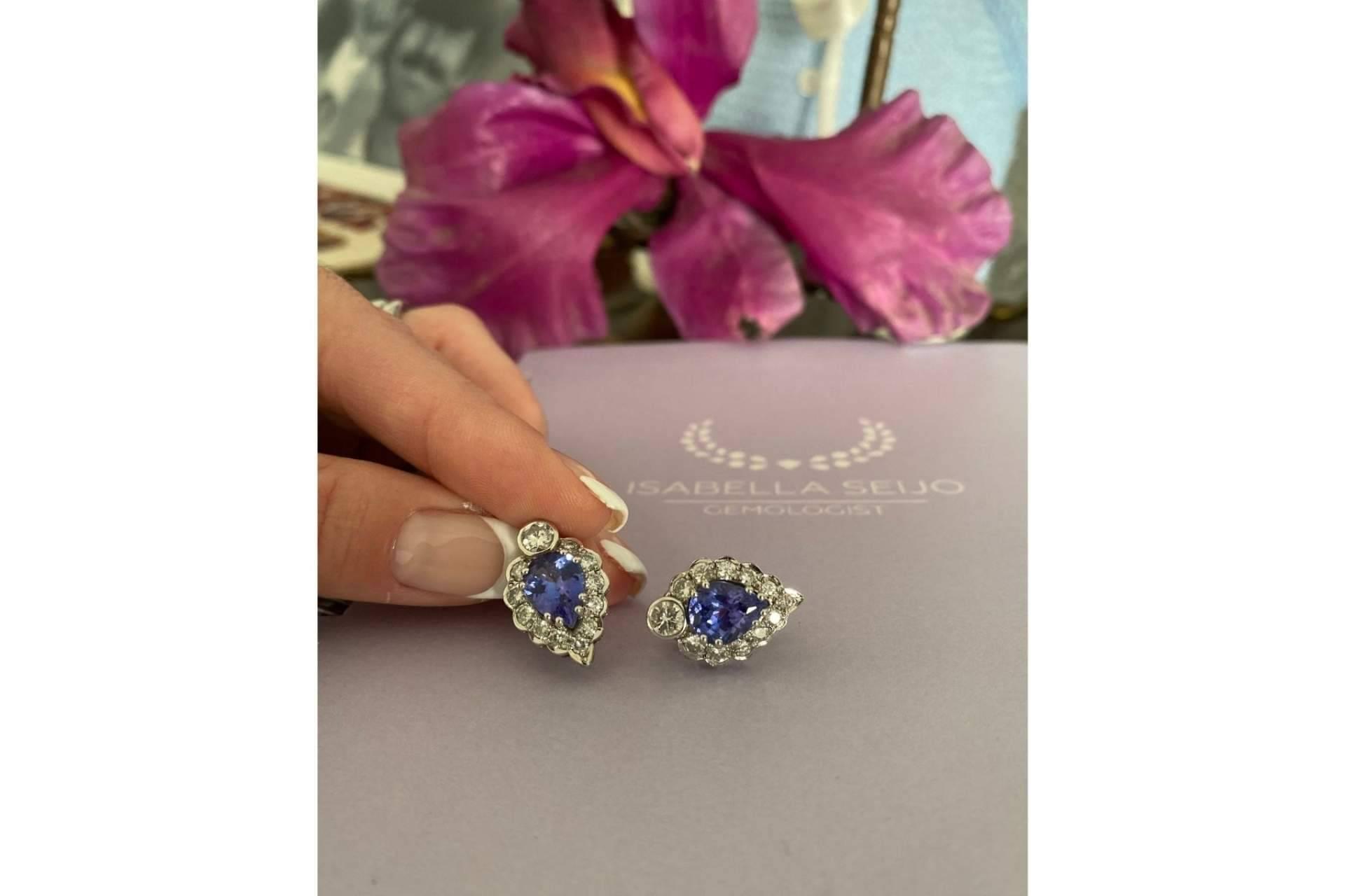 Isabella Seijo, la reconocida gemóloga que confecciona joyas únicas con la gema tanzanita