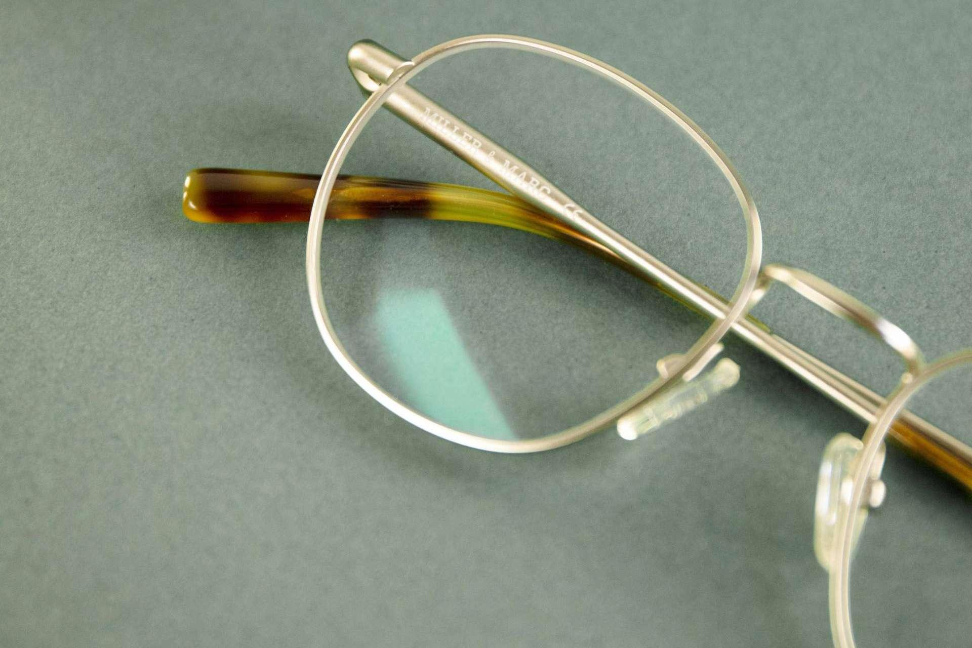 Miller & Marc protege la vista ante la luz de las pantallas con sus gafas con filtro azul