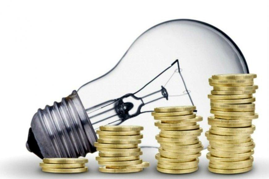 El precio de la electricidad deja al Gobierno entre la espada y la pared
