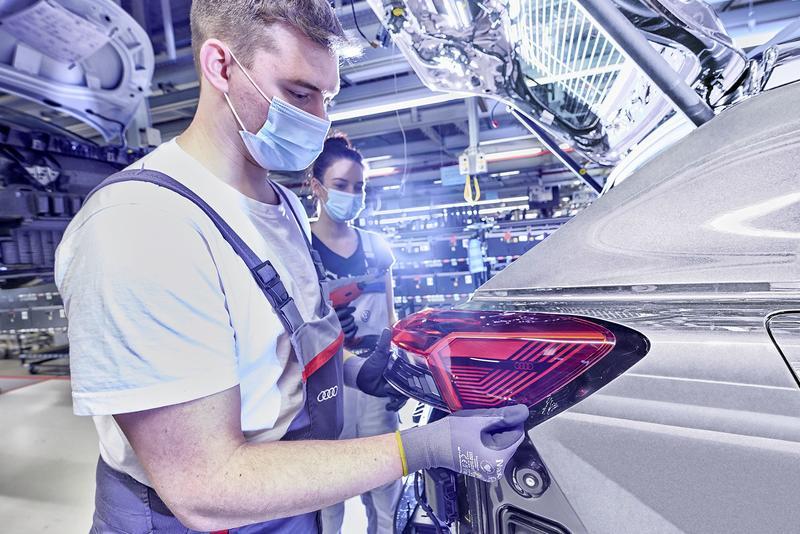 La industria del automóvil logra beneficio récord hasta junio, pero vende menos que antes del Covid