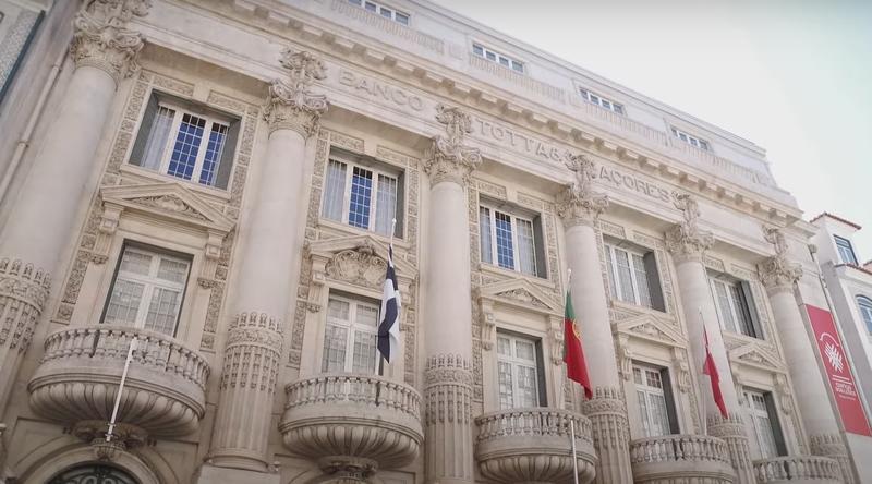 Santander negocia un ERE en Portugal para 210 empleados