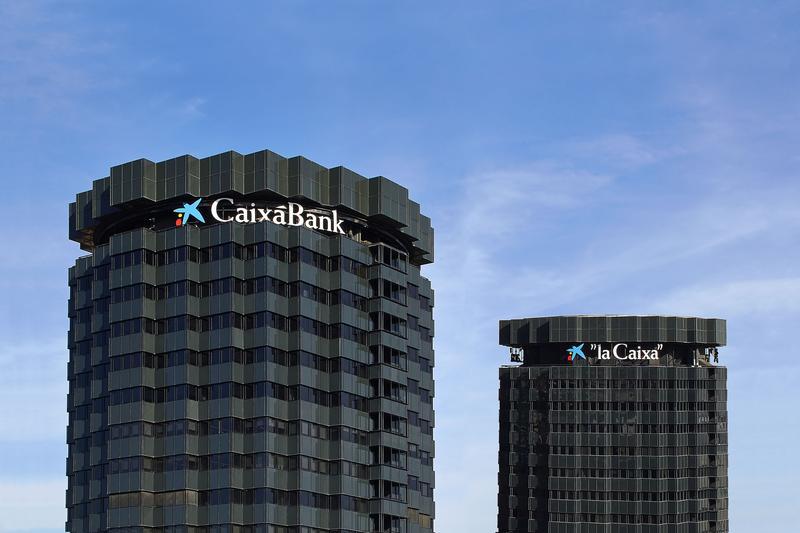 CaixaBank recibe el visto bueno de la CNMC para reordenar el negocio de pagos de Bankia