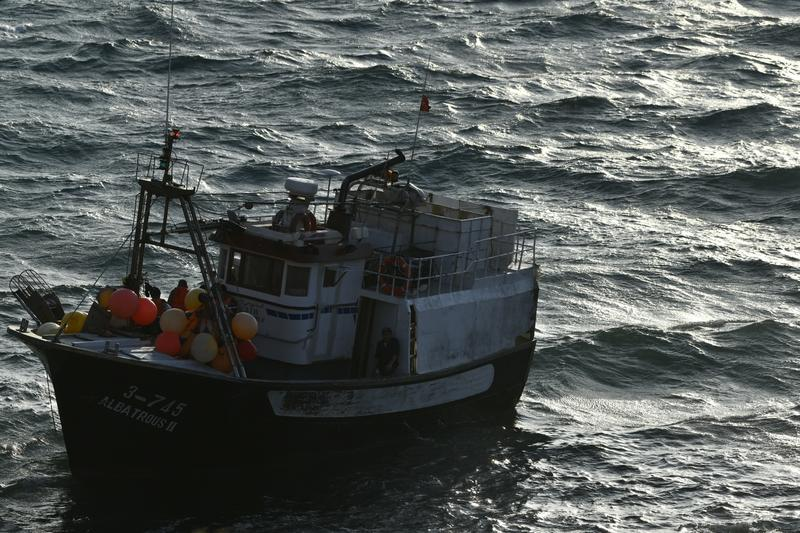 Bruselas expedienta a España por no combatir la pesca ilegal y no perseguir los descartes