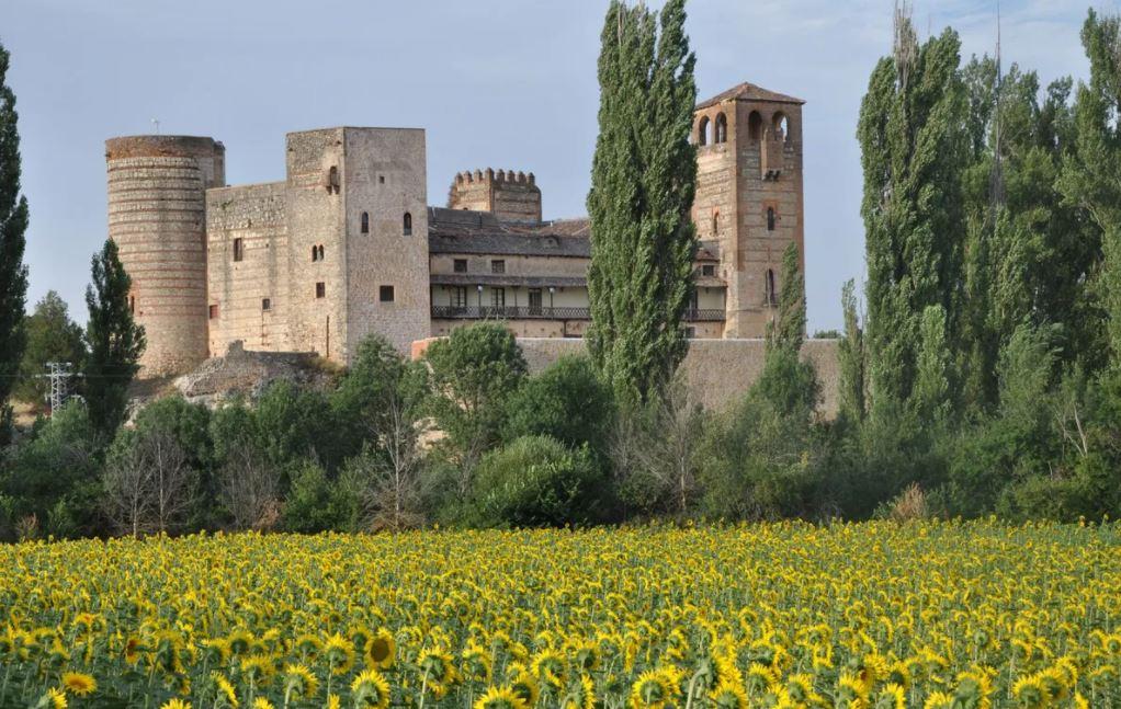La vivienda de lujo más grande de España, un castillo de Abderramán I